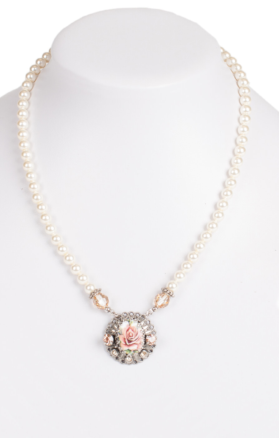 Traditional necklace 1799, salmon von Schuhmacher