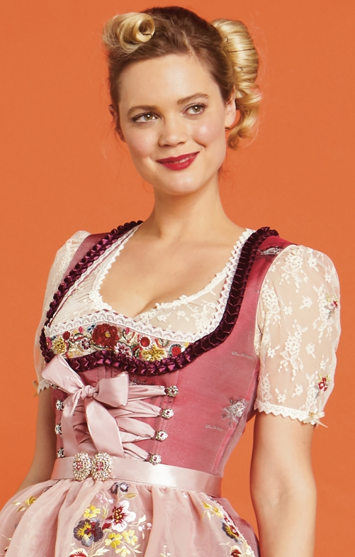 Traditional dirndl blouse Lola Paltinger COSY cream